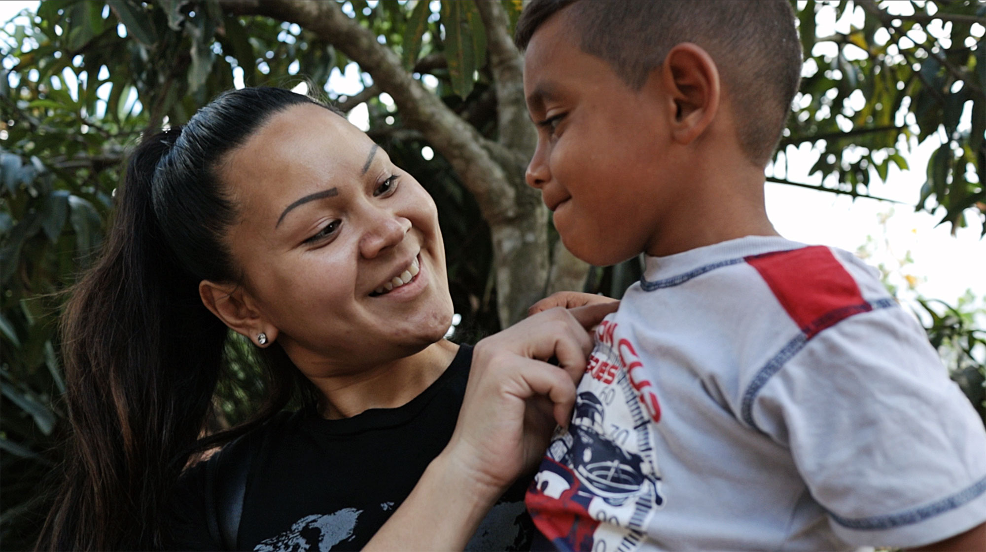Honduras-Missionary-with-boy